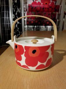 Back Bay Gift Guide: Oiva Unikko Tea Pot, Marimekko